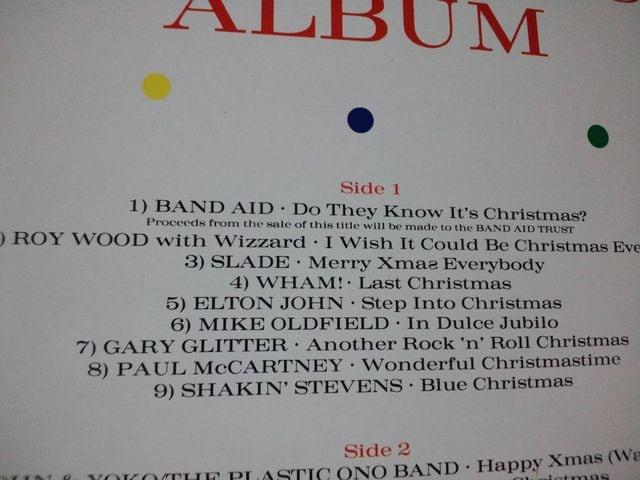 超豪華クリスマスアルバム ジョンレノン,ワム,ポールマッカートニー,QUEEN,バンドエイド他 < CD/DVD/ビデオの