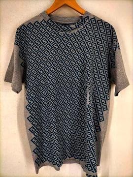 Stussy(ステューシー)紺タグ サンプリング総柄Tシャツ MADE IN USAクルーネックTシャツ