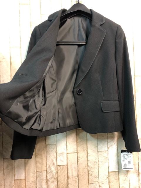 新品☆9号プチ♪黒無地のフレアスカートスーツ☆s848 < 女性ファッションの