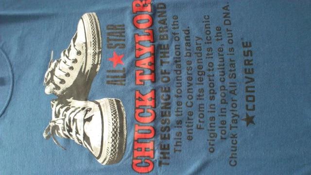 激安80%オフ限定、コンバース、スニーカー、Tシャツ(美品、紺、M) < ブランドの