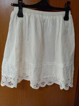 �A 白のスカート