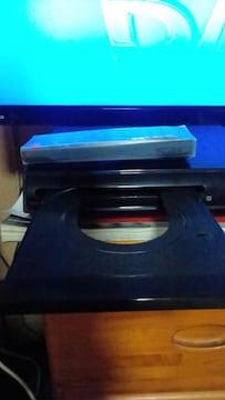 中古DVD再生機リモコン付き。