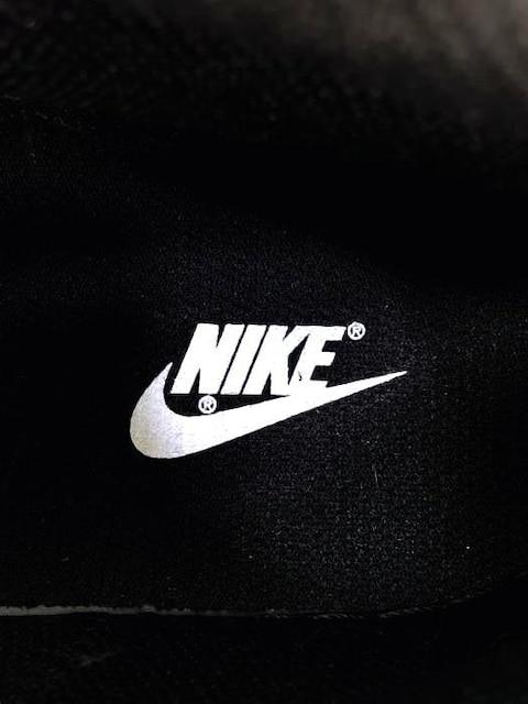 NIKE(ナイキ)COURT VISION MID SLスニーカー < 男性ファッションの