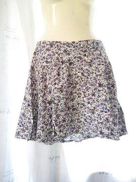 ★激安★季節到来フォーエバー21可愛い小花柄フレアミニスカート