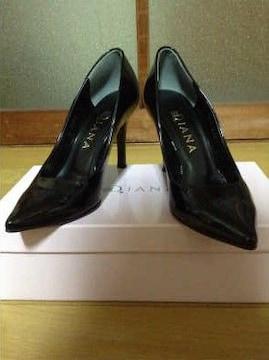 DIANA(ダイアナ)ポインテッドエナメルパンプス21,5�p美品黒×黒