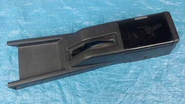 トヨタ AE86 純正センターコンソールサイドブレーキカバー中古品