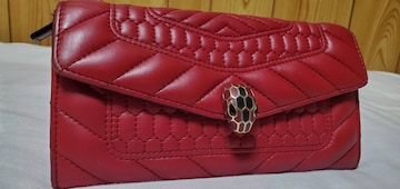 正規 限定 ブルガリ セルペンティ スネーク装飾長財布赤 マトラッセキルティング レッド