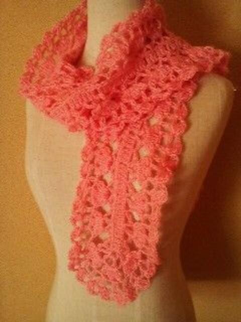 手編み太めモヘアで模様編みのマフラー  < 女性ファッションの