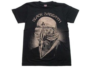 ブラック・サバス BLACK SABBATH  バンドTシャツ  393 S