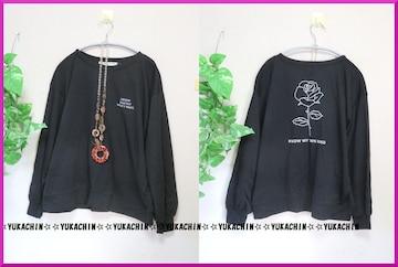新作◆大きいサイズ3Lブラック◆胸元ロゴ&後ろ花柄◆トレーナーチュニ