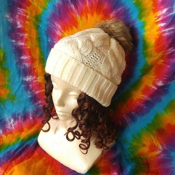 激カワッ(*σ>∀<)ポンポンファー付きニット帽子◆トレンド♪