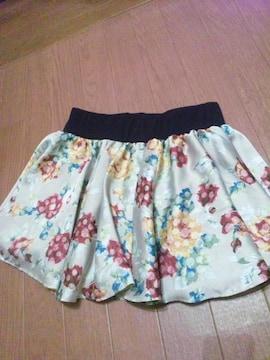激カワ ワンウェイ レイヤード花柄スカート 即完売
