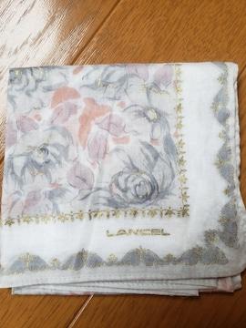 ☆新品☆LANCELランセル☆ラメゴールドプリント入り花柄ハンカチ