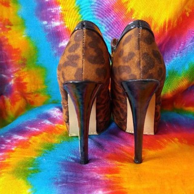 超美脚(´∀`)豹柄スエード&エナメル切替厚底ショートブーツ□L < 女性ファッションの