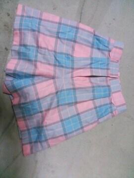 ピンクチェックのクレージュ半ズボン