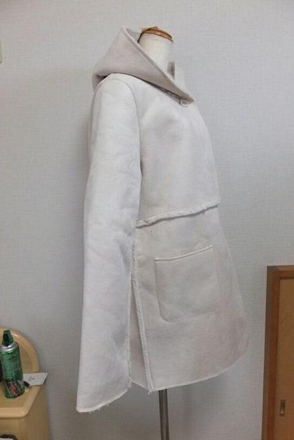 新品未使用☆ミスティーウーマンのフードつきコート(31) < ブランドの