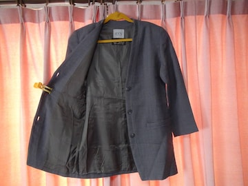 BALLIのノーカラージャケット(9号)レディース用 !。