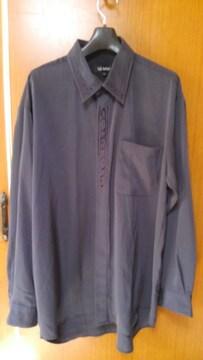 ∞ 紺のシャツ