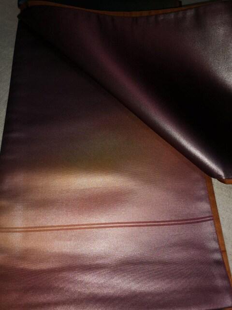 他の人と差をつける、粋な光沢のあるつるつるした袋帯。 < 女性ファッションの