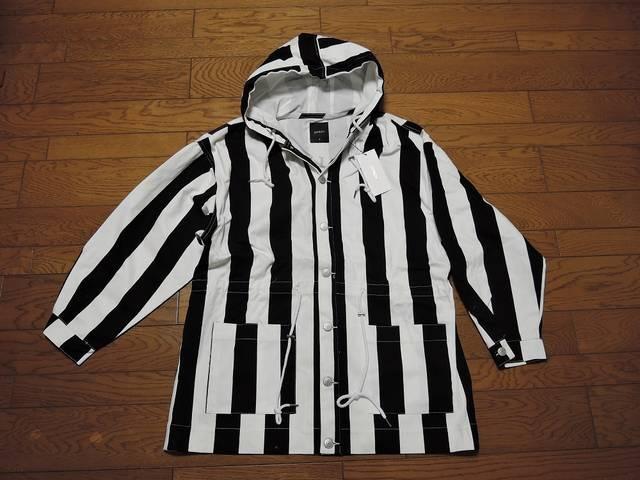 新品JOYRICHジョイリッチパーカーコートジャケットS黒白  < ブランドの