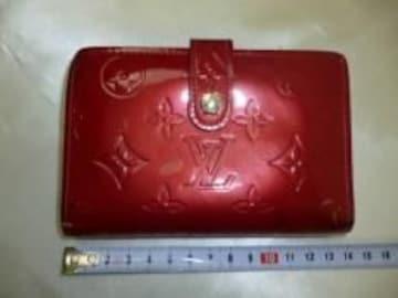 正規本物LV■ヴェルニ■がま口財布■美品ルージュ色