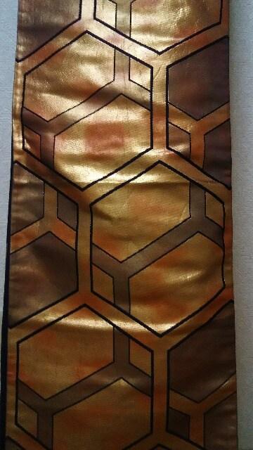 袋帯 亀甲文様 ゴールドの暈し 締め易い袋帯goood < 女性ファッションの