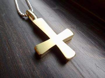 仁尾彫金『純金の逆十字クロス』ハンドメイド