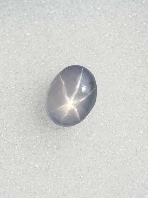 ●綺麗な星が輝く【天然スターサファイア】ホワイト/約2.00ct●  < 女性アクセサリー/時計の