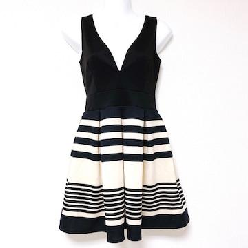 黒ベージュブラックボーダーフレアVカットミニワンピースドレス