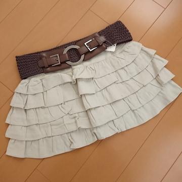 新品タグ付★セシルマクビー★ベルト付ティアードスカート ベージュ/M CECILMcBEE