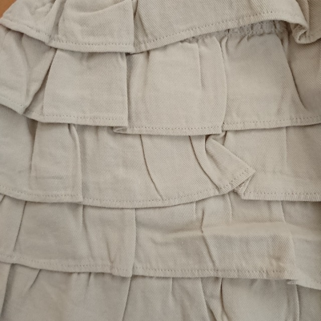 新品タグ付★セシルマクビー★ベルト付ティアードスカート ベージュ/M CECILMcBEE < ブランドの