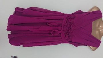 7号ドレス結婚式ワンピース紫ボルドー可愛すぎて目立つ