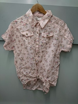 LIZ LISA☆コットン花柄半袖シャツ