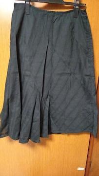 ∞ 黒のスカート
