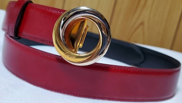 正規 レア カルティエ トリニティ 3連カラーリング ロゴバックル リバーシブルベルト 赤×黒