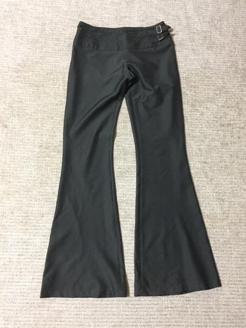 617.R☆パンツスーツ☆濃いシルバーグレー☆サイズS < 女性ファッションの