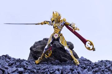 加工品 S.H.フィギュアーツ S.H.Figuarts 黄金騎士 ガロ(レオン 刻印Ver.)