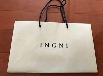 イング★INGNI ショッパー アイボリー 紙袋