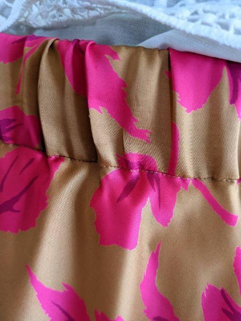 Tiara/ティアラ/オリジナル花柄プリントフレアロングスカート/ゴールド&ピンク/ウエストゴム入 < ブランドの