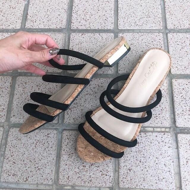 ◆ストラップサンダル/ペタンコサンダル◆ブラック×ゴールドM★2回着用程度 < 女性ファッションの