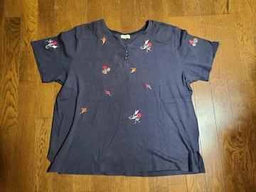 送料無料/大きいサイズ4L~5Lオットーネイビーボタン付き刺繍入りTシャツ