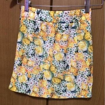 送料込み☆ 新品!花柄タイトスカート