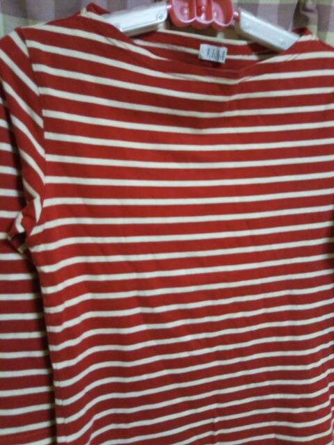 ★ELLE オシャレデザイン ボーダー柄 Tシャツ 気品● < 女性ファッションの