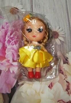 ジョリードール風フェミニンリトルドール風ミニ人形キーホルダーストラップ黄色イエロードレス薔薇